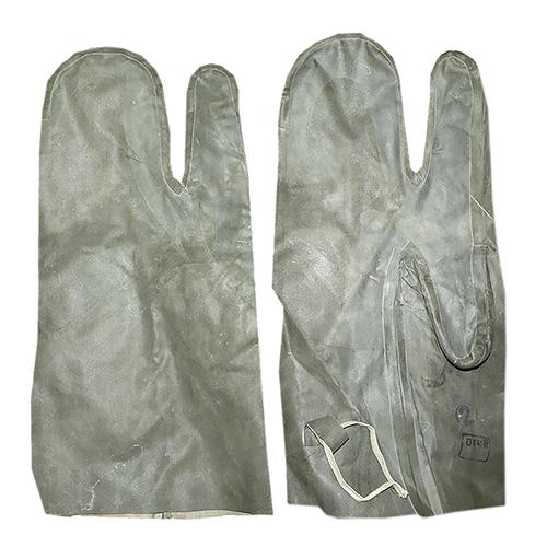 Перчатки от костюма Л-1